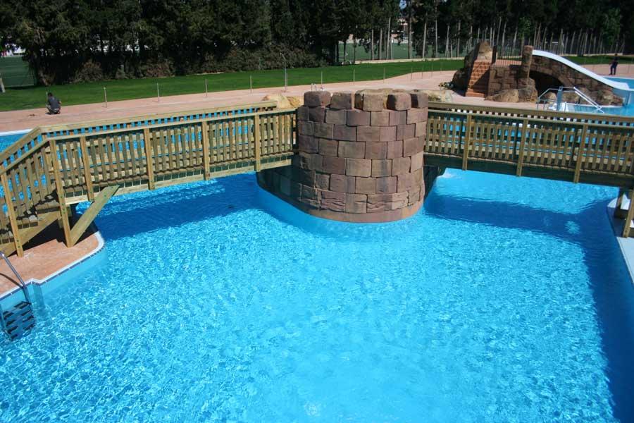 Monz n horarios piscina climatizada y parque acu tico for Horario piscina alaquas