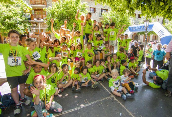 Jóvenes participantes en la carrera benasquesa (Foto: Servicio especial)