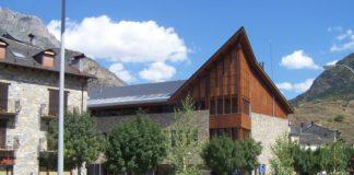 Edificio del Centro de Ciencias de Benasque (Foto: Angel Gayúbar)