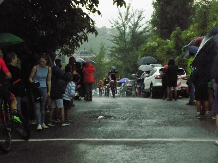 En pleno esfuerzo en la Puyada (Foto: Pipi Mengod)
