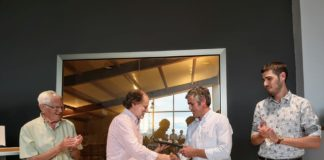 Entrega del premio a la SAT de Ubiergo (Foto: Asociación Guayente)