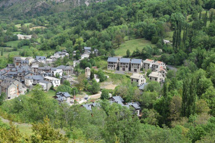 Vista general de Sesué (Foto: Angel Gayúbar)