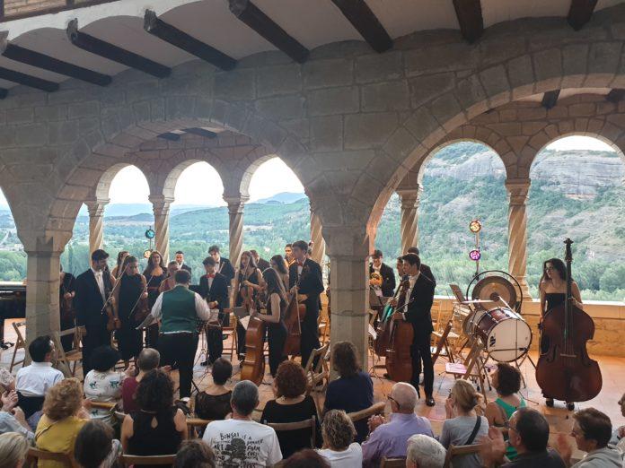 Actuación de la Atlantida Chamber Orchestra en la basílica de La Peña (Foto: Angel Gayúbar)