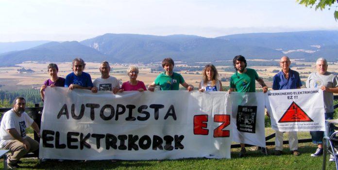 Una instantánea de la reunión en Santa Cruz de Campezo (Álava), el pasado mes de julio, de la Red de Apoyo Mutuo (Foto: Carlos González)