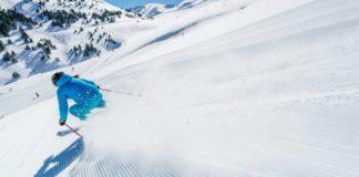 Un esquiador deslizándose por las pistas de Cerler (Foto: Aramón)