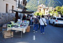 Feriantes y feriados en la pasada edición de la feria castejonense (Foto: Angel Gayúbar)