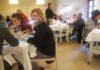 Comensales en el comedor de la Escuela de Hostelería de Guayente (Foto: Angel Gayúbar)