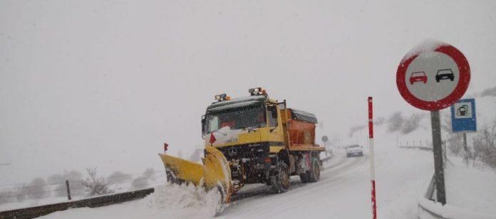 Máquina quitanieves trabajando (Foto: Dirección General de Carreteras)
