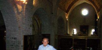 Aurelio García, párroco de Roda de Isábena (Foto: Angel Gayúbar)