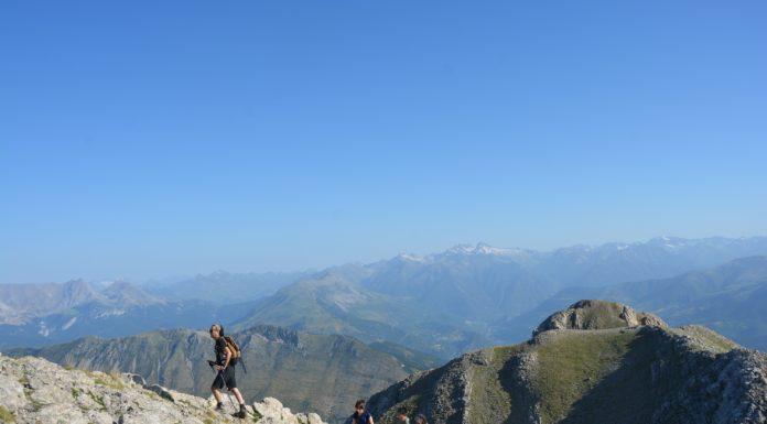 Montañeros ascendiendo al Turbón (Foto: Servicio especial)