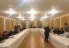 Los miemborss d ela comisión consultiva en su reunión en Benabarre (Foto: Angel Gayúbar)