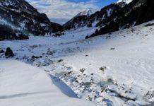Paisajes nevados y helados este lunes en el entorno de los Llanos del Hospital (Foto: Jorge Mayoral)