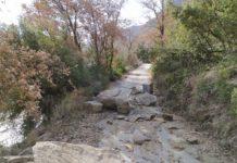 El desprendimiento en el camino entre Perarrúa y Besians (Foto: Angel Gayúbar)