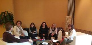 Las bibliotecarias durante su reunión con el presidente y la gerente d ela Comarca de La Ribagorza (Foto: Servicio especial)