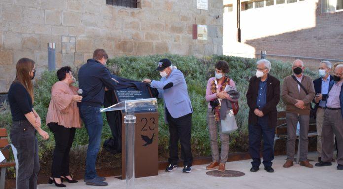 Descubrimiento de la placa conmemorativa (Foto: Angel Gayúbar)